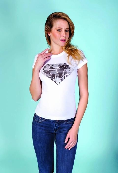 Berrak Bayan Elmas Baskı Tshirt 8022