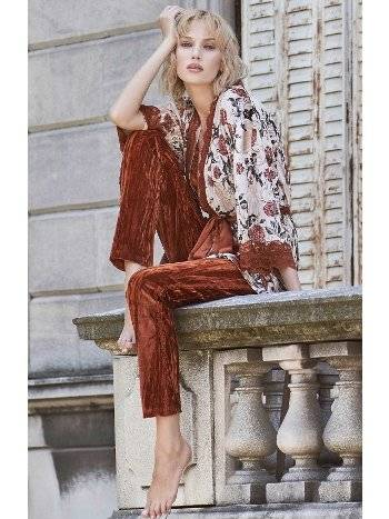Kiremit Kadife Sabahlıklı Pijama Takımı Miss Loren 2013