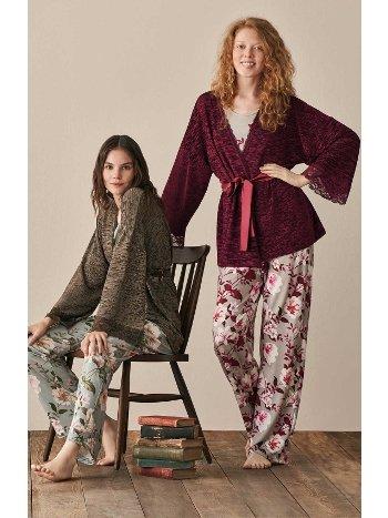Kolları Dantel Çiçek Desenli Sabahlıklı Pijama Takımı Feyza 3942